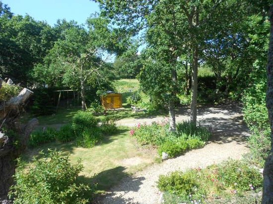 auberge de bel air : jardin vue de la chambre