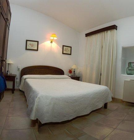 Hotel Celler De Can Font