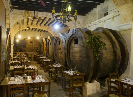 Sineu, Spain: Restaurante Celler Can Font