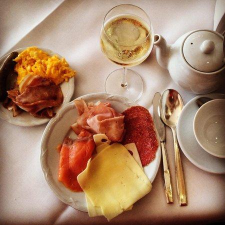 Grand Hotel Europa : Breakfast.