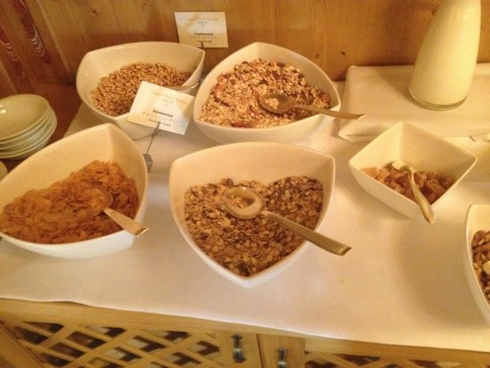 Grand Hotel Europa: Breakfast buffet cereals