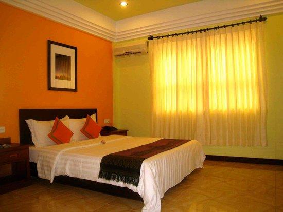Banyan Leaf Hotel: Comfortable foam bed