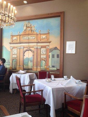Grand Hotel Europa: Fine setting for breakfast