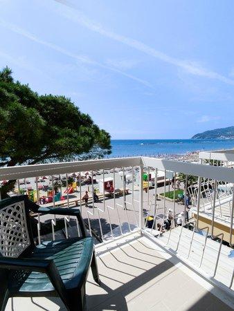 Hotel Anita : balcone fronte mare