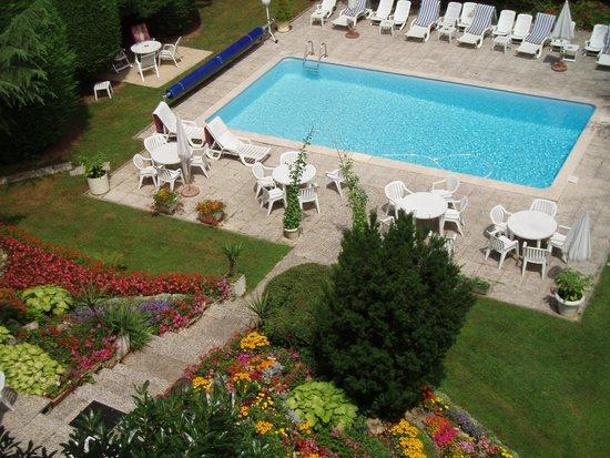 Kyriad Bourg En Bresse : pool