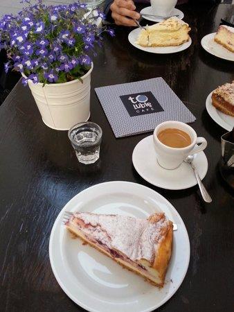 To Lubie: Sernik de morango e meu delicioso café expresso