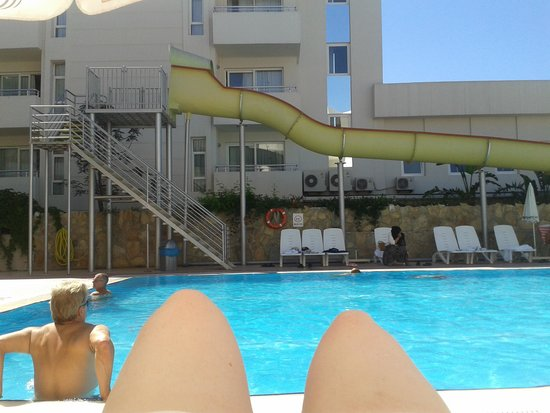 Oz Side Hotel: pool side