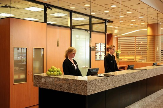 NH Dortmund: Reception/Lobby
