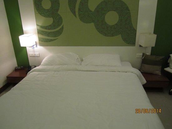 The Fern Residency, Mumbai: Bed