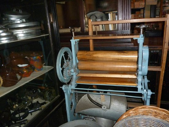 Black Country Living Museum: An Old Mangle on display at Black Country Museum