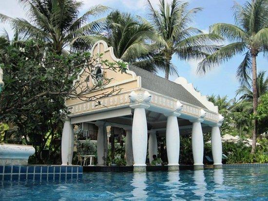 Phuket Graceland Resort & Spa : Pool Bar