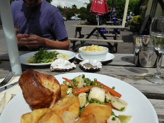 Sydenham, UK: Veggie Sunday lunch