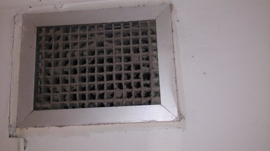 Addison's on Anzac: disgusting bathroom vent