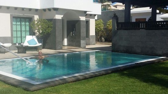 RedLevel at Gran Meliá Palacio de Isora: Una de las piscinas de la zona Red Level