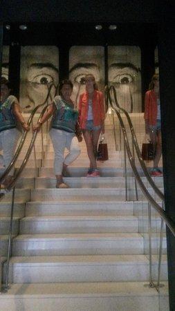 Théâtre-musée Dalí : Театр-музей Сальвадора Дали