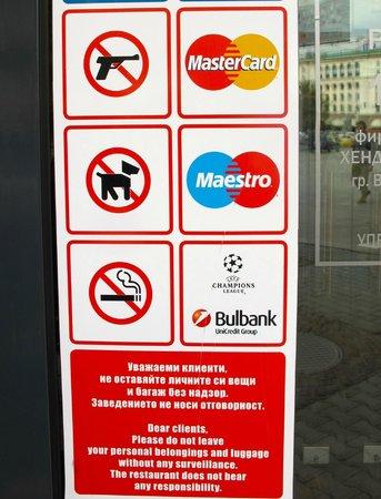 Happy Bar & Grill Rakovski: No Guns