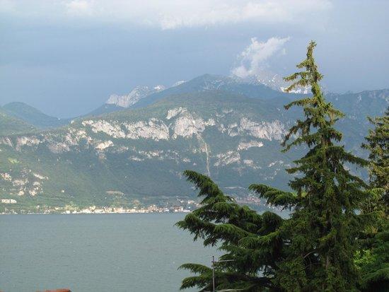Menaggio Youth Hostel La Primula: Beautiful view from the room
