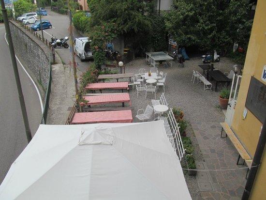 Menaggio Youth Hostel La Primula: Terrace hostel