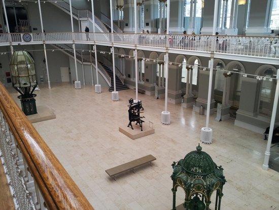 Museo Nacional de Escocia: Entrance hall