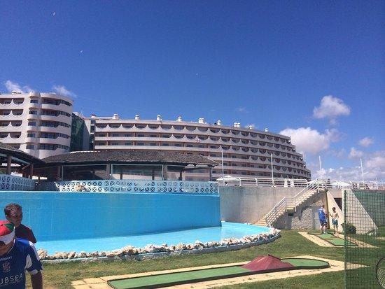 Hotel Paraiso de Albufeira: Hotel from golf area