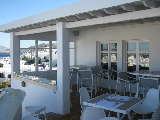 Rochari Hotel : Breakfast patio