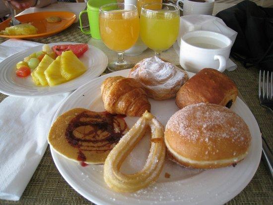 Insotel Cala Mandia Resort & Spa: Le petit dej mmmmh