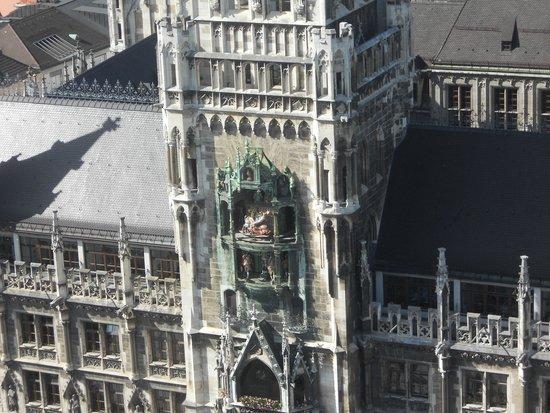 Neues Rathaus: view of the Glockenspiel