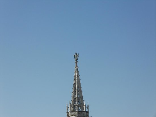 Neues Rathaus: Munchener Kindle at top of spire