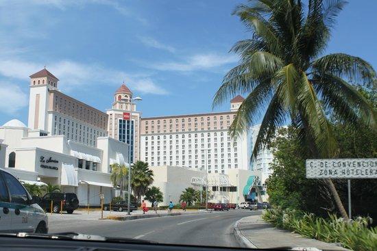 Hotel Riu Cancun: Отель