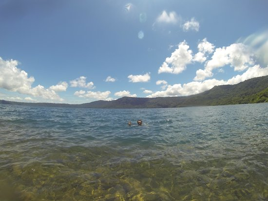 Laguna de Apoyo : verdure et rivage