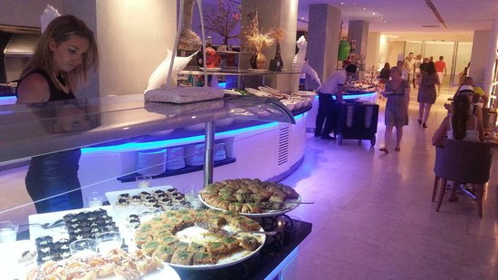 Blue Bay Classic Hotel : buffet