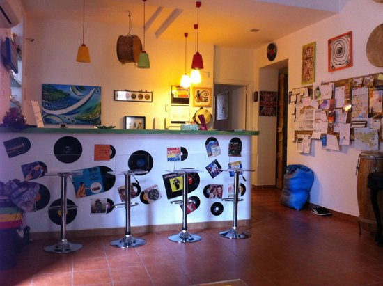 A Casa di Amici Hostel and Guest House : Front Desk