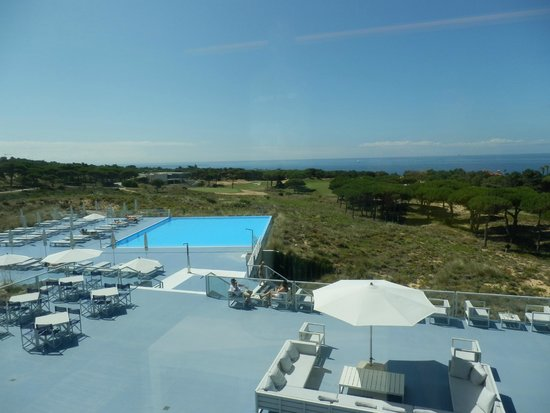 The Oitavos : From terrace