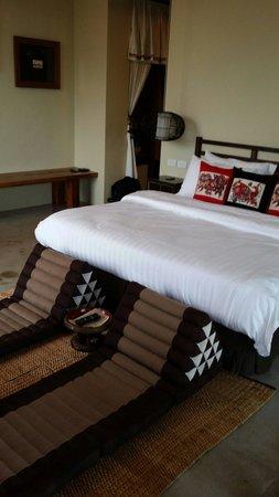 Villa Phra Sumen Bangkok: Phra sumen suite.. View of golden mountain as well..