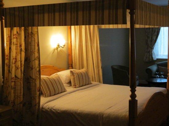 BEST WESTERN Consort Hotel: Suite