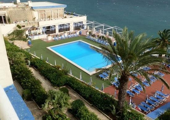Mellieha Bay Hotel : the pool.