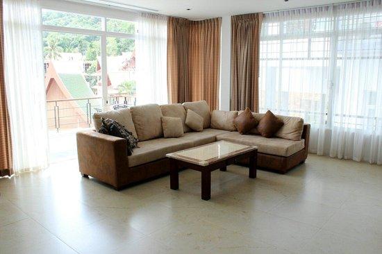 Kata Sea View Villas: Living Room Sofa