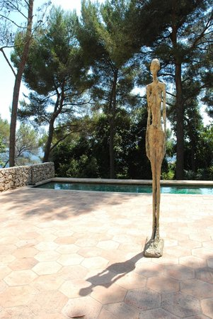 Fondation Maeght: Giacometti courtyard