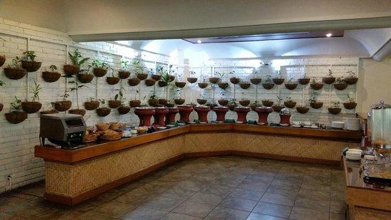 Cardamom County: Breakfast Buffet