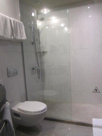 K+K Hotel Picasso: Bathroom