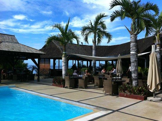 Iloha Seaview Hotel: piscine principale