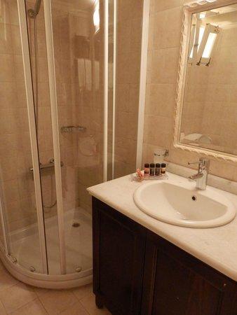 Porto Vitilo Boutique Hotel: Το μπάνιο