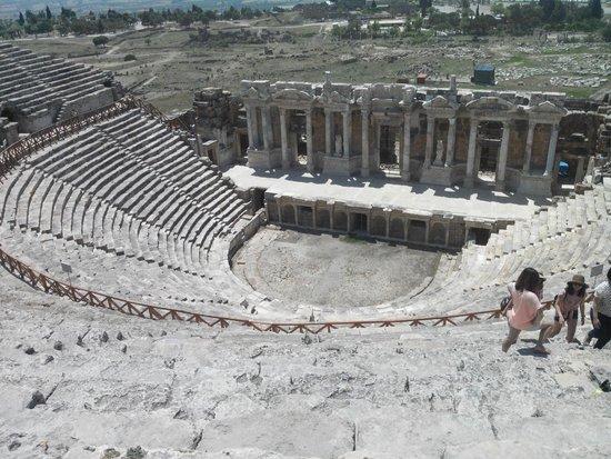 Hierapolis & Pamukkale: l'amphithéâtre de Hiérapolis