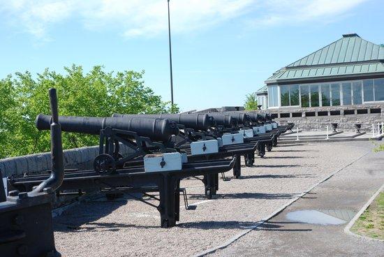 La Citadelle de Québec : série de canons