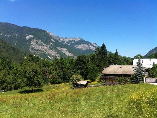 Le Biot, Francia: The scenery in the village