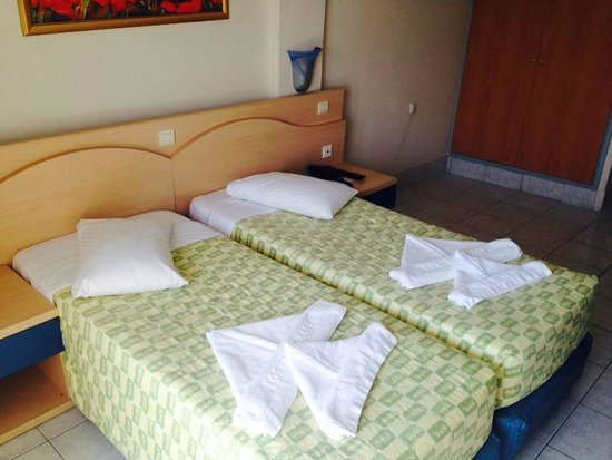 Kosta Palace: comfortable clean beds