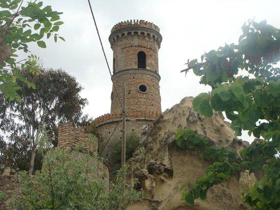 Castello di Caccuri : Castello feudale