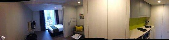 Citadines on Bourke Melbourne : panorama of studio room