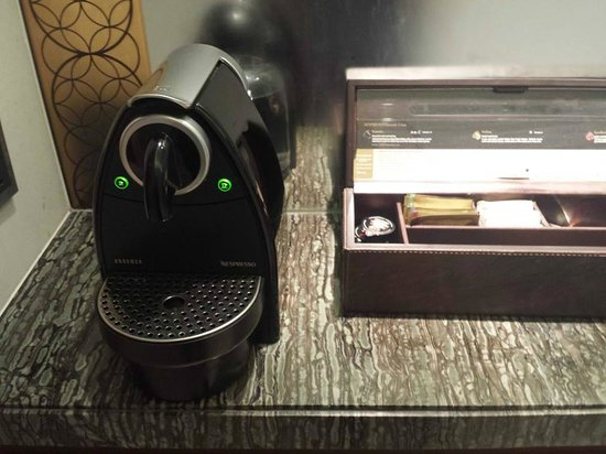 Park Hyatt Abu Dhabi Hotel & Villas : Coffee machine. This one is nice, easy to use.
