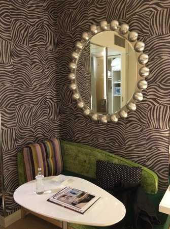 Hotel N'vY : Cosy corner for reading